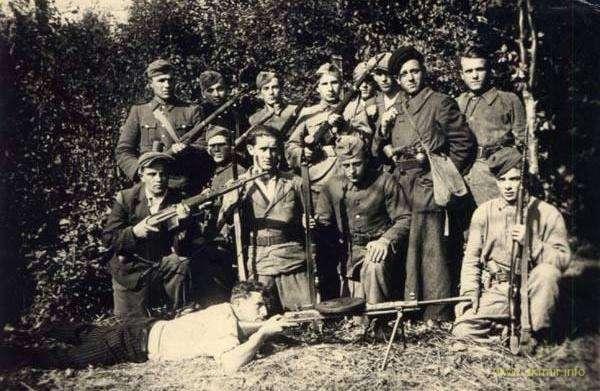 Бросок «Ястреба». Бой куреня УПА «Сіроманці» против войск НКВД под Унивом