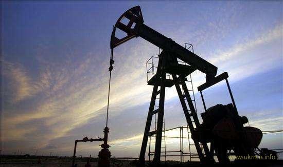 Нефть вновь дешевеет на данных API о неожиданном росте запасов в США