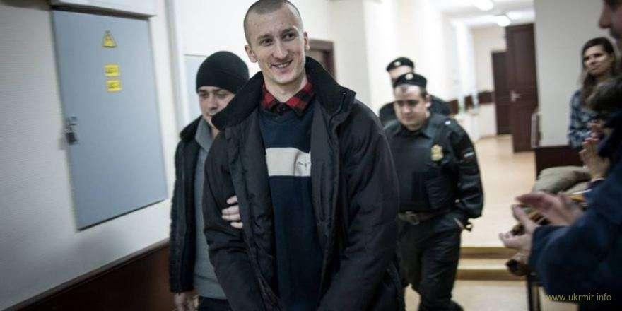 В российской колонии Кольченко заставляют принять гражданство РФ
