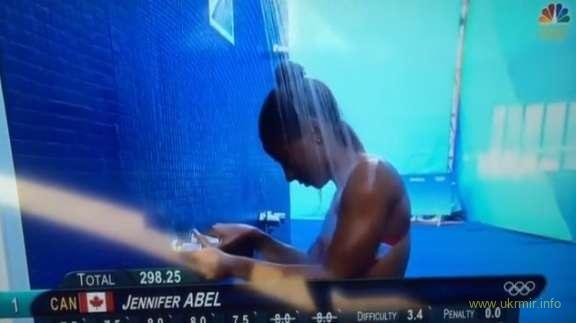 Олимпиада-2016: спортсменка сломала кран в финале прыжков в воду - курьезное видео