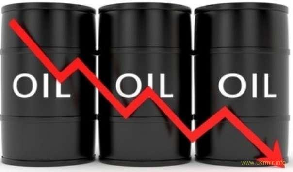 Нефть дешевеет из-за перенасыщения рынка