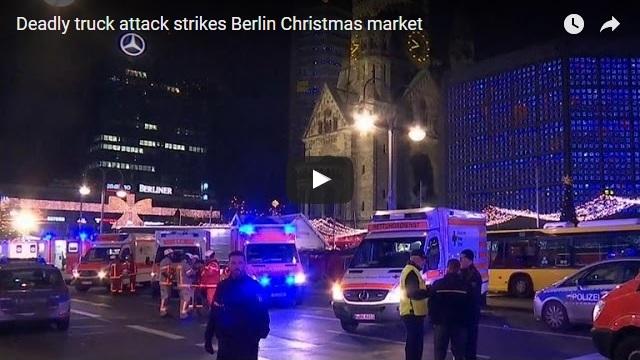 Смертоносный грузовик врезался в Берлине в Рождественский рынок | Deadly truck attack strikes Berlin Christmas market