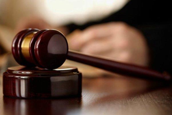 Суддя побив активіста на очах у поліції