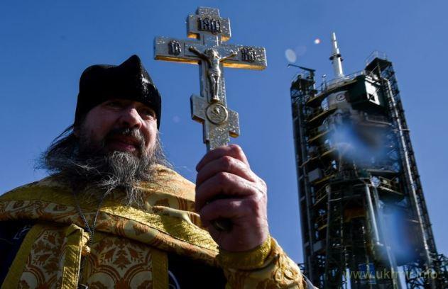 На РФ крестьяне пытались сжечь священника РПЦ за секс с чиновником