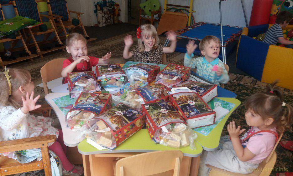 Волонтери потребують допомоги, допоможемо дітям