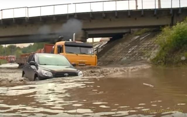 Красноярськ, людей евакуюють з затоплених будинків