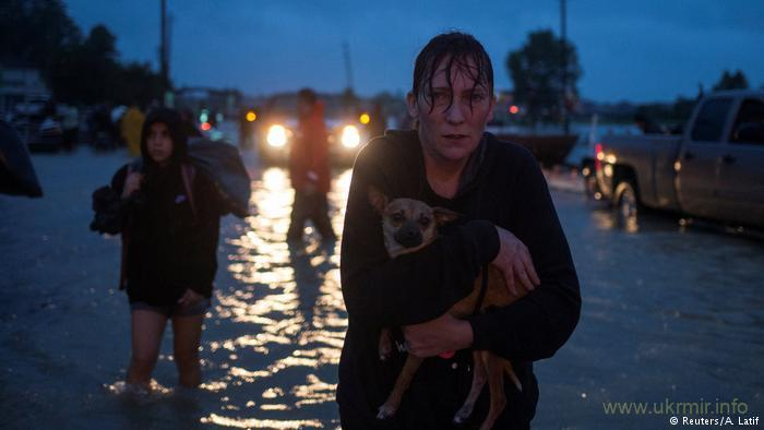 """Ураган """"Марія"""" посилюється і йде на Багами"""