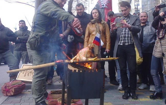 США «поджаривают Россию на медленном огне и обращаются с РФ, как с лягушкой в кипятке»