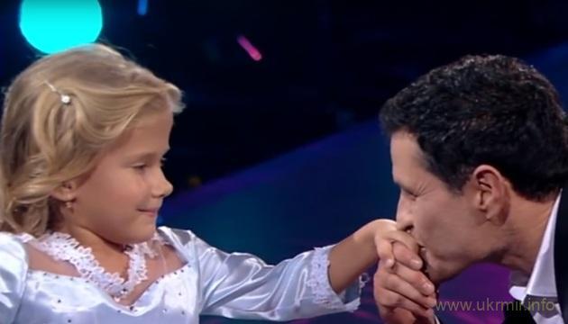 Участник «Танцев со звездами» исполнил мечту девочки на инвалидной коляске