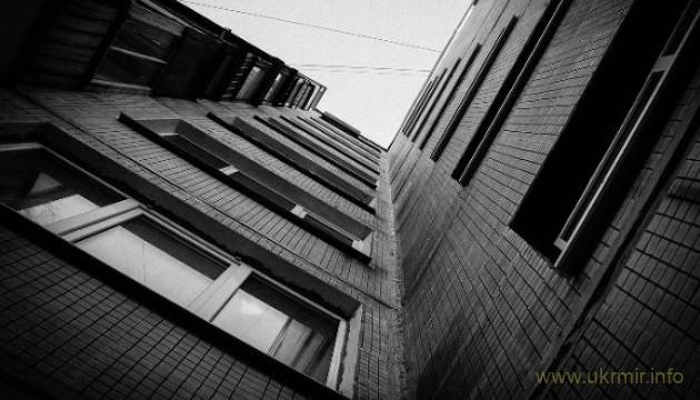На Мосве выбросили из окна сотрудницу «Роснефти»