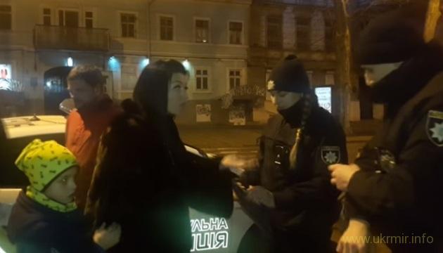 Пьяная сотрудница Труханова надебоширила на статью