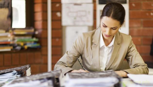 Минимальная зарплата учителей в Украине повышается до 11 тыс. гривен