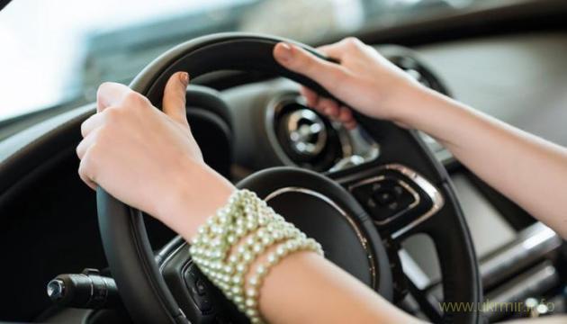 Женщинам Туркмении запретили водить автомобили