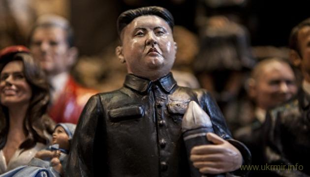 Ким Чен Ын готовится к параду ядерных сил