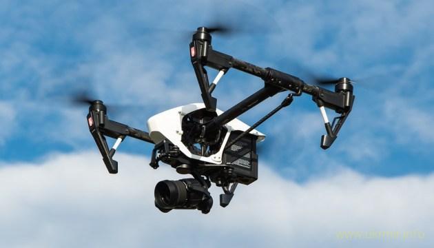 Дроны научились летать стаями без GPS