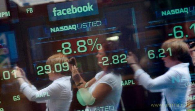 Акции Facebook рухнули из-за скандала с утечкой данных пользователей