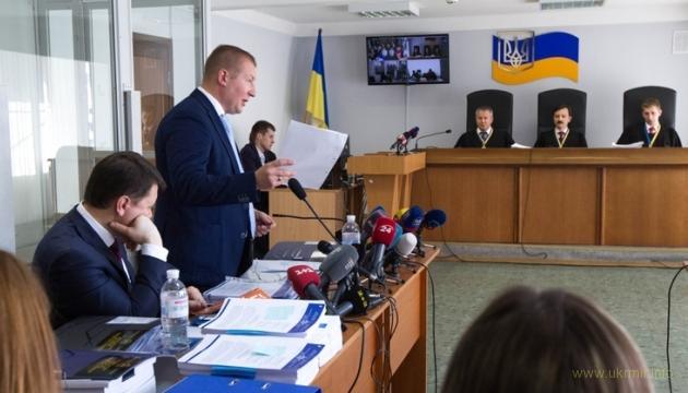 Адвокаты Януковича саботируют судебные дебаты