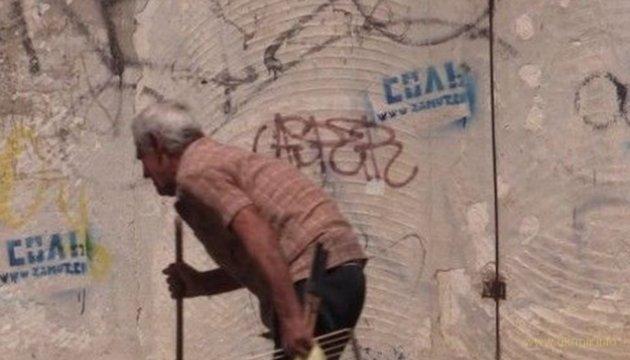 Крым заполонили пенсионеры, молодежь уезжает