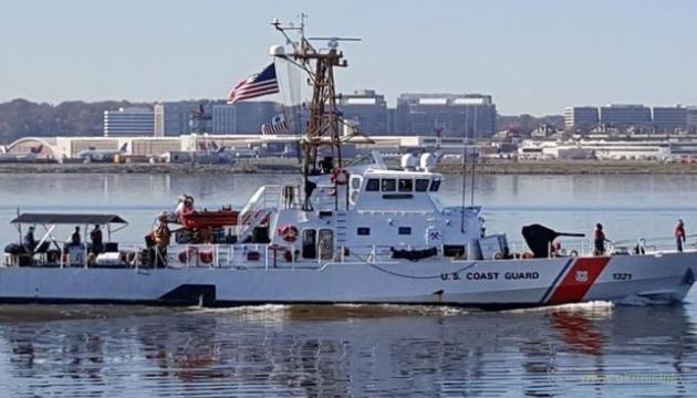 В четверг США передают Украине первые два военных катера