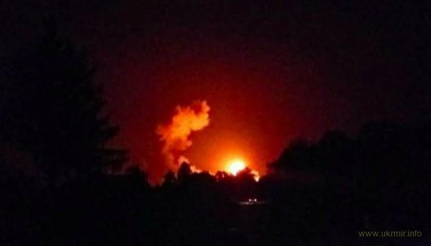 В Черниговской области горят склады боеприпасов