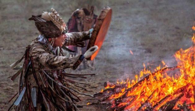 За поребриком шаманы сожгли 5 верблюдов для укрепления РФ