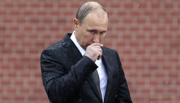 Рейтинг Путина продолжает пикировать и имеет все шансы достигнуть отметки ноль