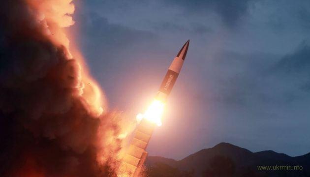Северная Корея произвела пуски двух ракет в сторону Японского моря