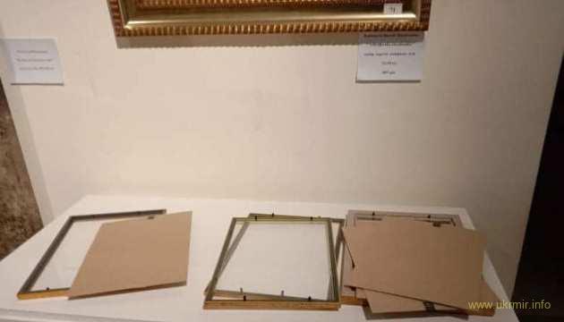 Документи на картини Порошенка зникли після штурму ДБР